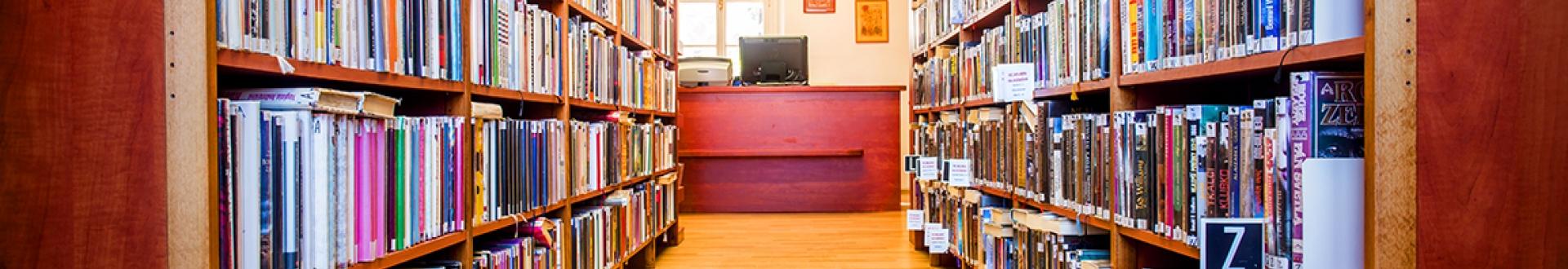 """""""Člověka je možno poznat podle knih, které čte."""" – Herbert Louis Samuel"""